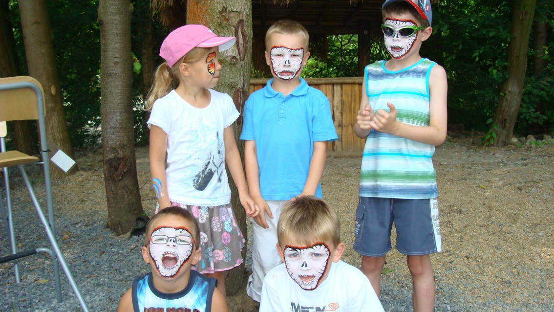 Groep maskers 2